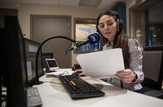 Hélène Battini, diplômée du DU Journalisme, médias et corsophonie, journaliste à France Bleu RCFM