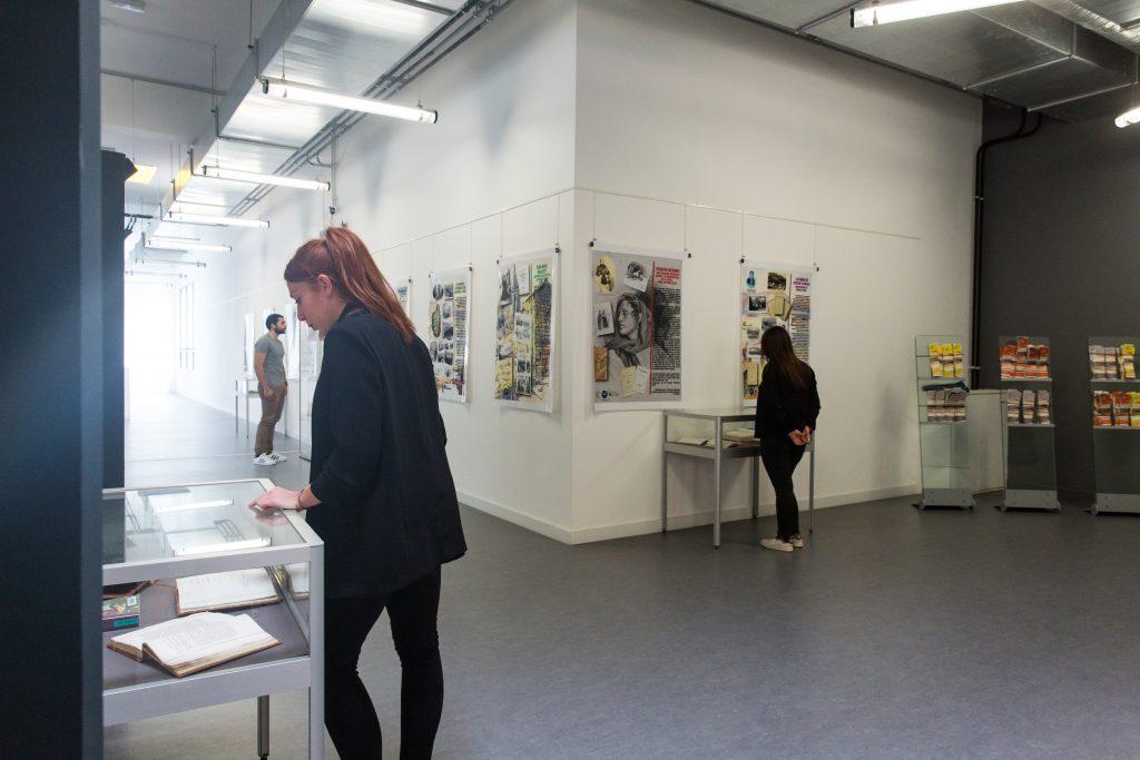 La bibliothèque universitaire accueille régulièrement des expositions