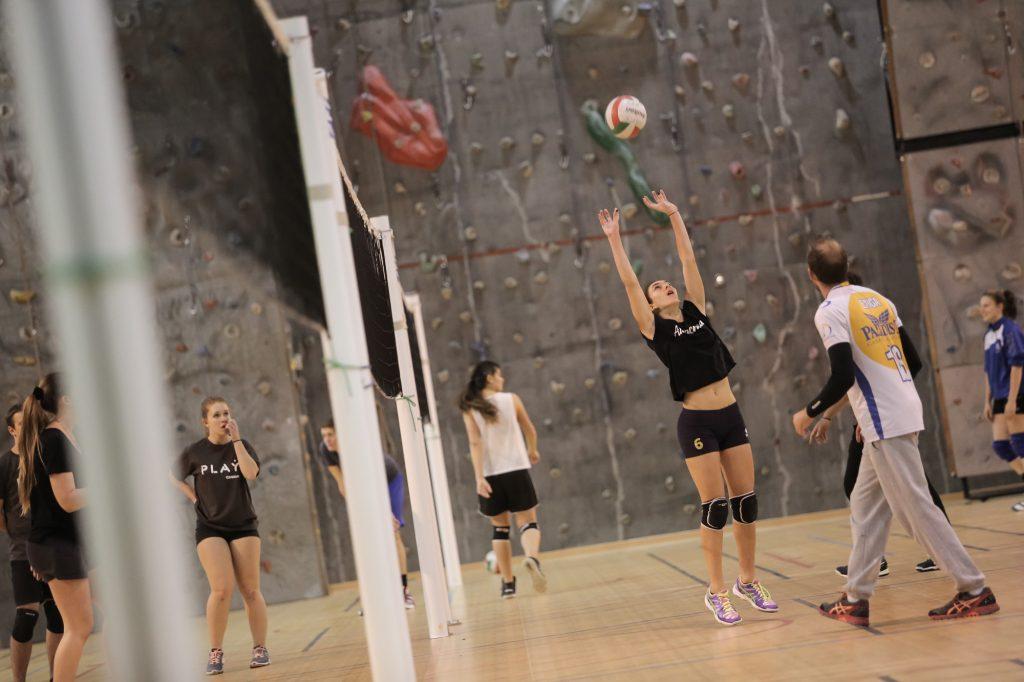 Le volley, une des activités proposées par l'Université de Corse